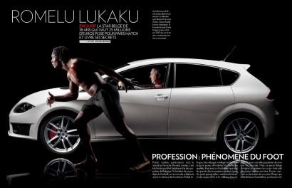 Romelu Lukaku, le joueur d'Everton pose torse nu et dévoile ses muscles et son corps athlètique dans Paris Match Belgique.