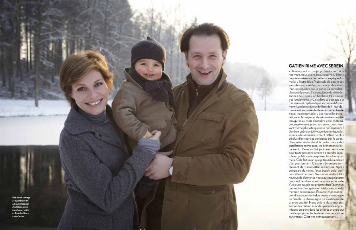 photo-de-famille-du-couple-avec-leur-fils.jpg