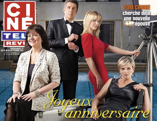 Couverture de Ciné Télé Revue avec les présentatrice d'RTL-TVI glamour, Florence Reuter, Marylène Bergmann, Sandrine Corman et le présentateur vedette Jean-Michel Zecca en smoking
