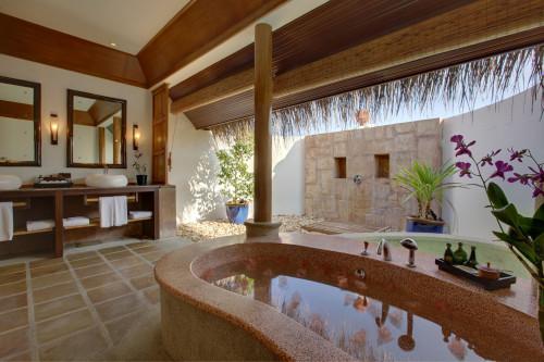 Kanuhura_1303406079-water-villa