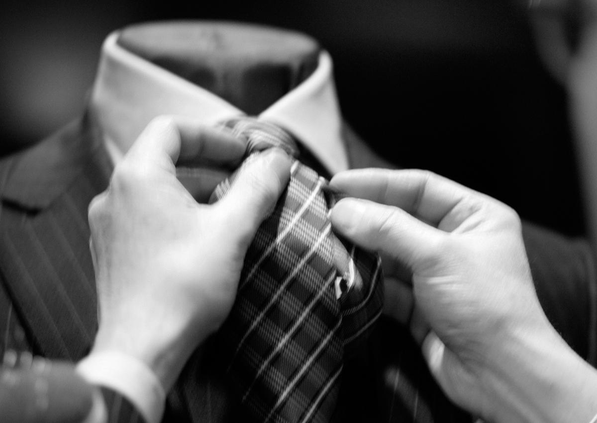 Crossword une boutique haut de gamme à Bruxelles avenue Louise qui propose des vêtements pour homme, costumes, jackets pour les mariages et cérémonies, smoking, chaussures de luxes, des vêtements chics classiques et élégants pour nous les hommes.