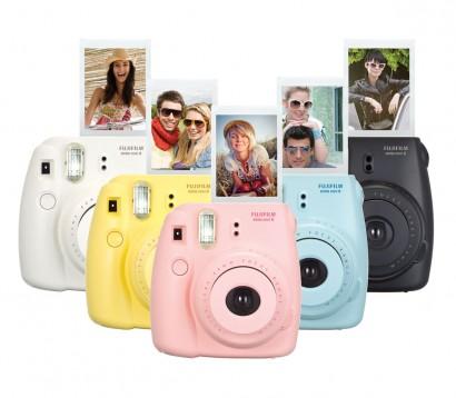 Avec l'appareil photo Instax mini de Fujifilm le fun de faire des instantané comme des Polaroïd.