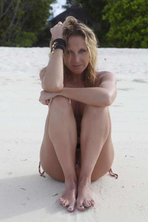 Julie Taton