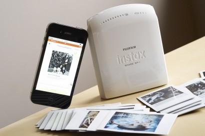 L'Instax Share de Fujifilm pour faire des photos instantanés avec son iPhone et l'application Instax.