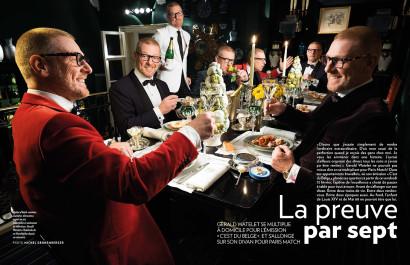 Gerald Watelet le présentateur de l'émission C'est du Belge à la RTBF, chez lui double page Paris Match.
