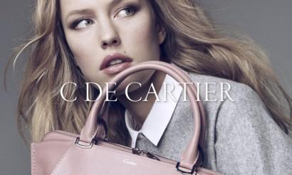 Le nouveau sac C de Cartier, un sac à main de luxe aux couleurs éclatantes.