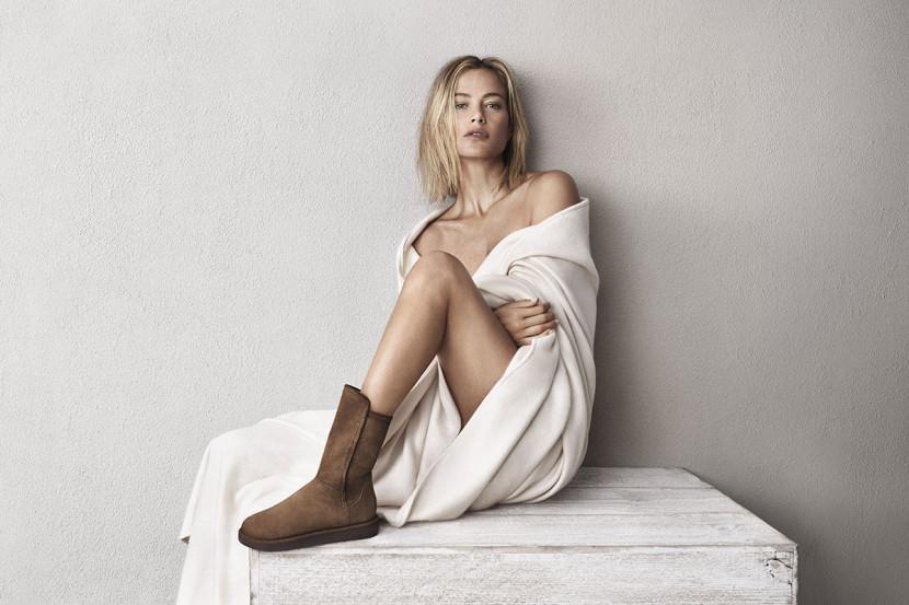 La nouvelle collection 2015 des chaussures UGG Australia Classic Luxe avec la Top-Modèle Carolyn Murphy
