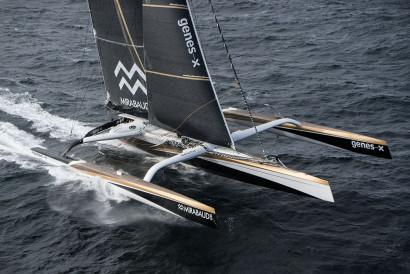 Le maxi-trimaran Spindrift 2 en mer Trophée Jules Verne du tour du monde en équipage à la voile