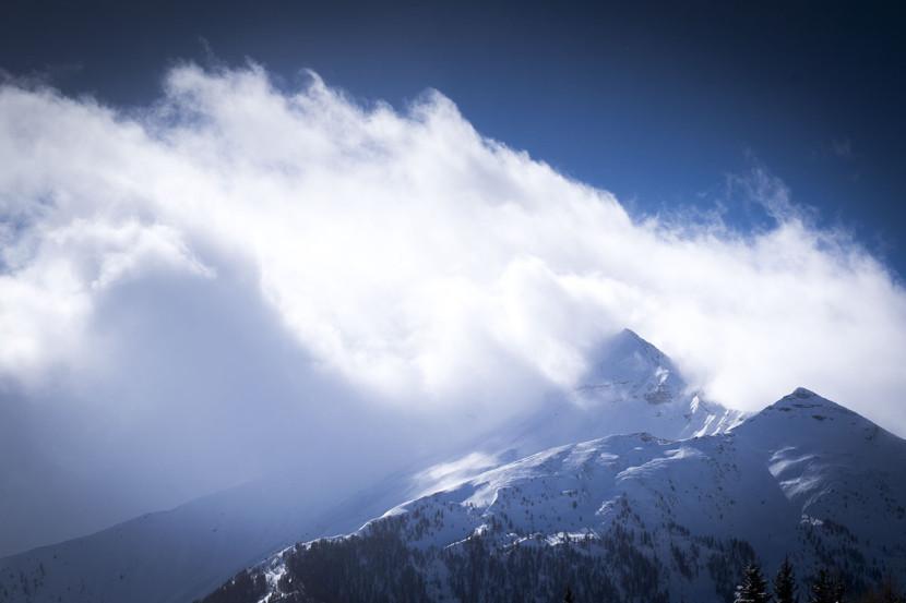 Les montagnes du massif de l'Écrin dans les Hautes-Alpes à partir de la station d'Orcières Merlette 1850
