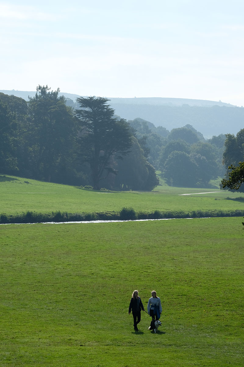chatsworth-house-countryside