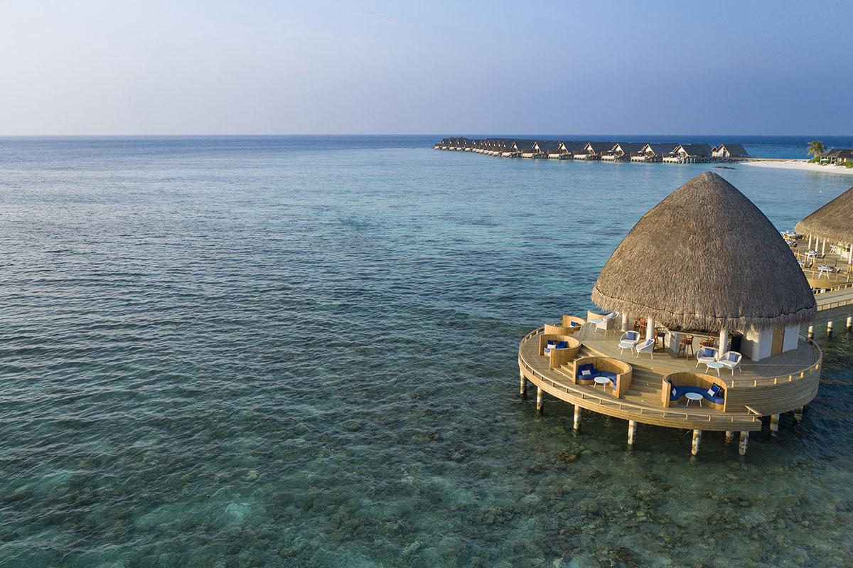 Le restaurant Boli de l'hôtel cinq étoiles aux Maldives Faarufushi